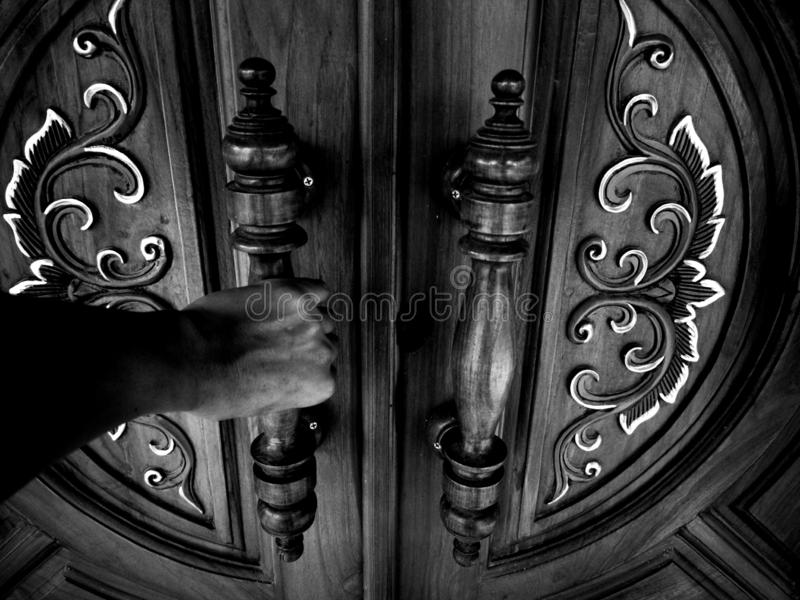 3 The door of the dark hand royalty free stock photography
