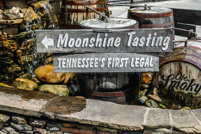 Fine del segno dell'assaggio di Ole Smoky Moonshine su fotografia stock libera da diritti