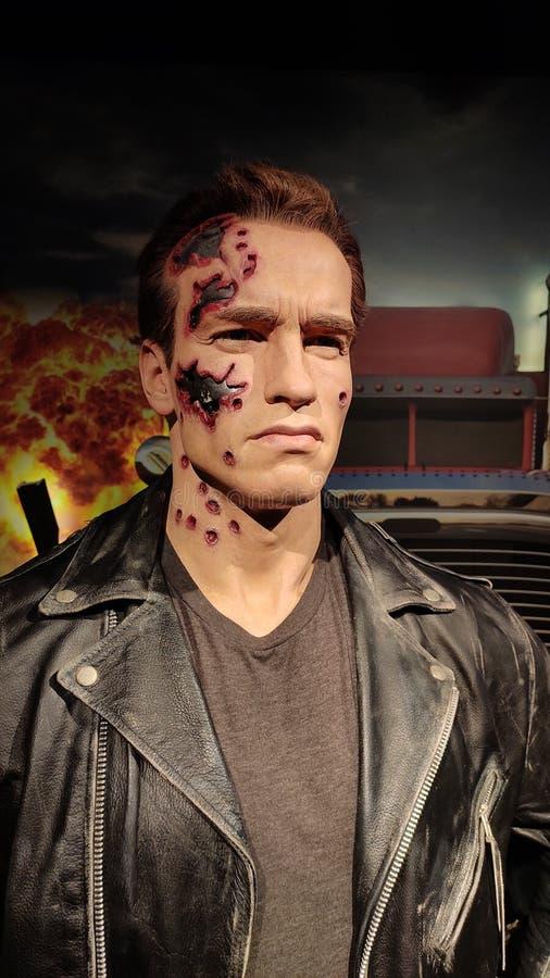 Fine del terminatore di Arnold Schwarzenegger sulla figura di cera di sguardo al museo Singapore dei tussauds di signora immagini stock