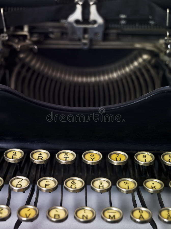 Fine della macchina da scrivere dell'annata in su fotografia stock