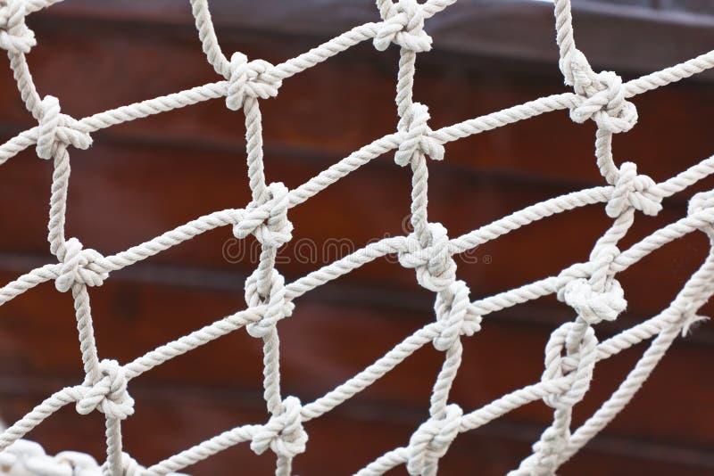 Fine della rete di sicurezza dell'yacht su fotografia stock libera da diritti