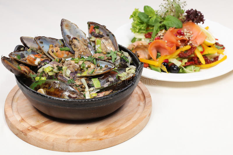 Download Fine Dining Meal, New Zealand Mussels And Salmon Stock Image - Image: 18567053