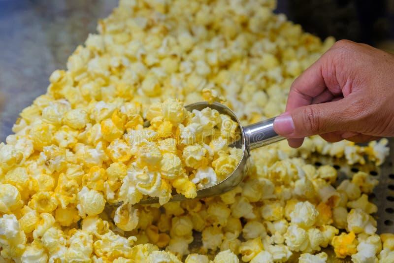 Fine dolce del negozio del popcorn su fotografia stock libera da diritti