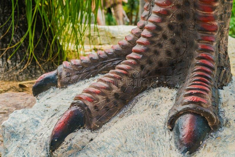 Fine fino a variopinto ed ai modelli delle superfici di modello del dinosauro fotografia stock libera da diritti