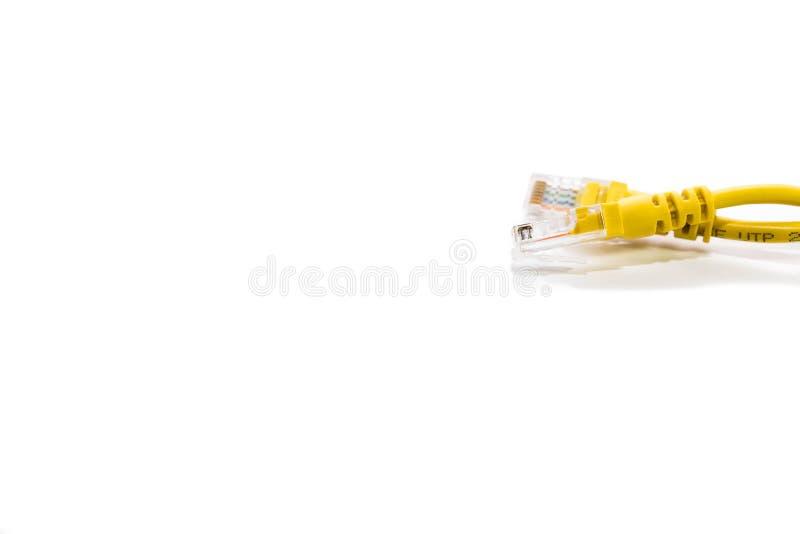 Fine gialla del commutatore di Internet due su su fondo bianco immagini stock libere da diritti