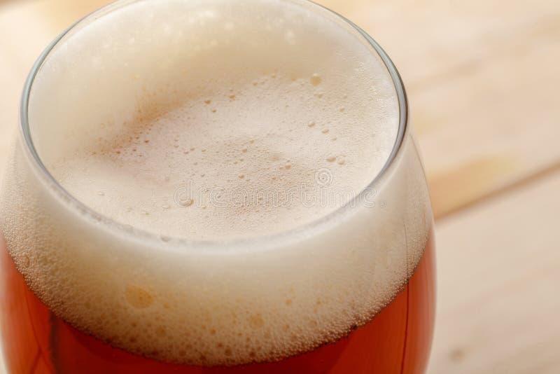 Fine rossa della birra inglese su immagine stock
