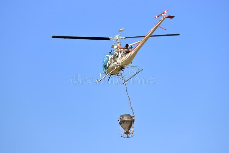 Fine su combattimento Forest Fire dell'elicottero fotografia stock