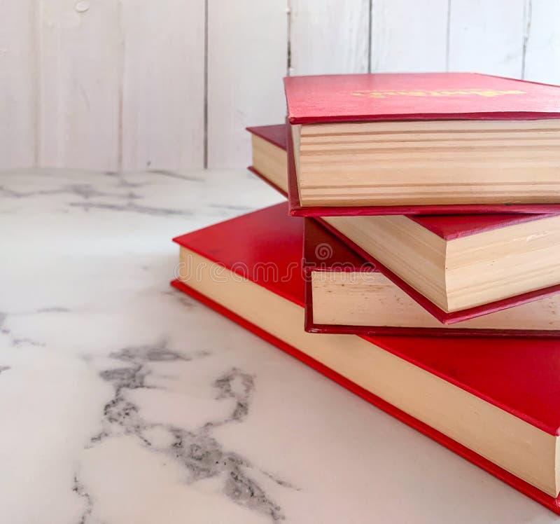 Fine su romanzo rosso immagini stock