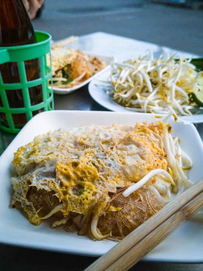 Fine sul piatto Cuscinetto-tailandese immagine stock libera da diritti