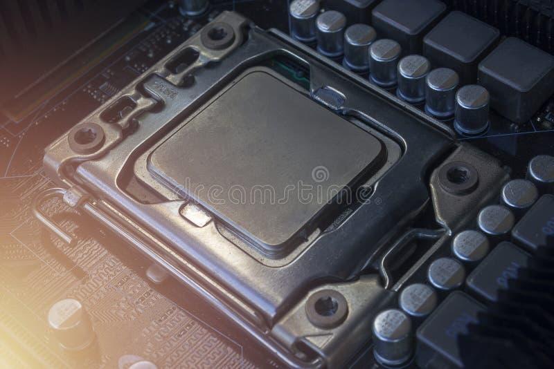 Fine sull'incavo del CPU sul PC del computer della scheda madre con l'unità di elaborazione del CPU fotografie stock
