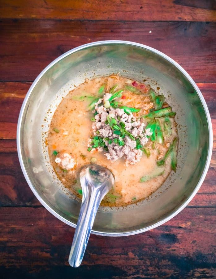 Fine sulla minestra di pasta di Tom Yum immagine stock libera da diritti