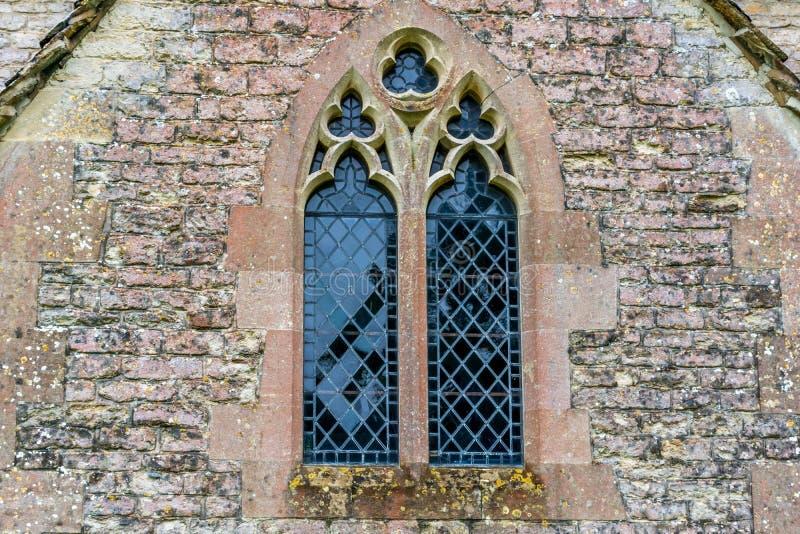 Finestra Ad Una Vecchia Chiesa Inglese Immagine Stock - Immagine di ...