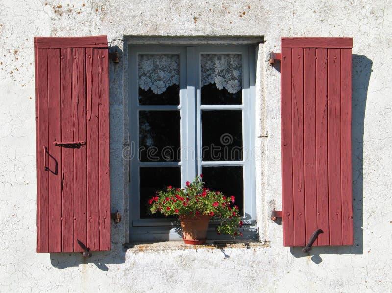 Finestra con gli otturatori, Cevennes, Francia fotografie stock libere da diritti