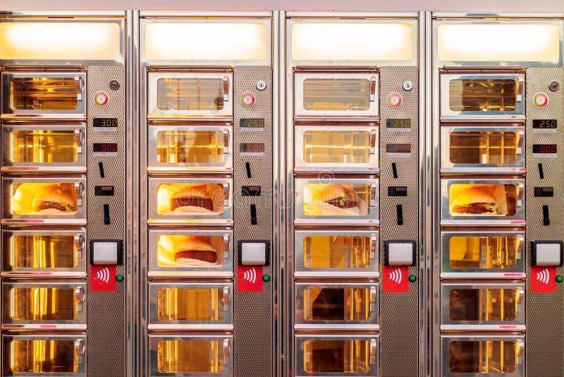 Finestra d'ordinazione olandese con i panini della crocchetta fotografia stock libera da diritti