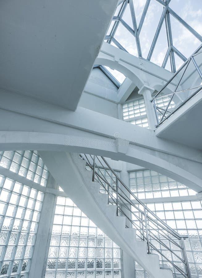 Immagini di riserva di lucernario la sovranit di for Finestra nel tetto