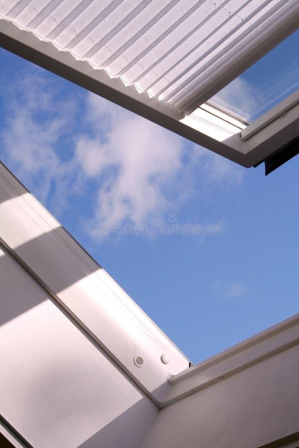 finestra del tetto immagine stock
