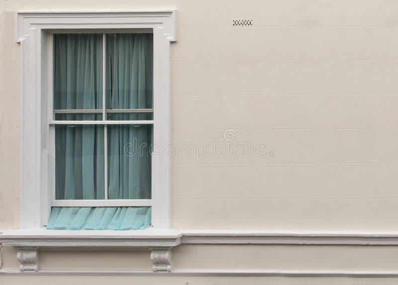 Finestra dell'appartamento fotografie stock