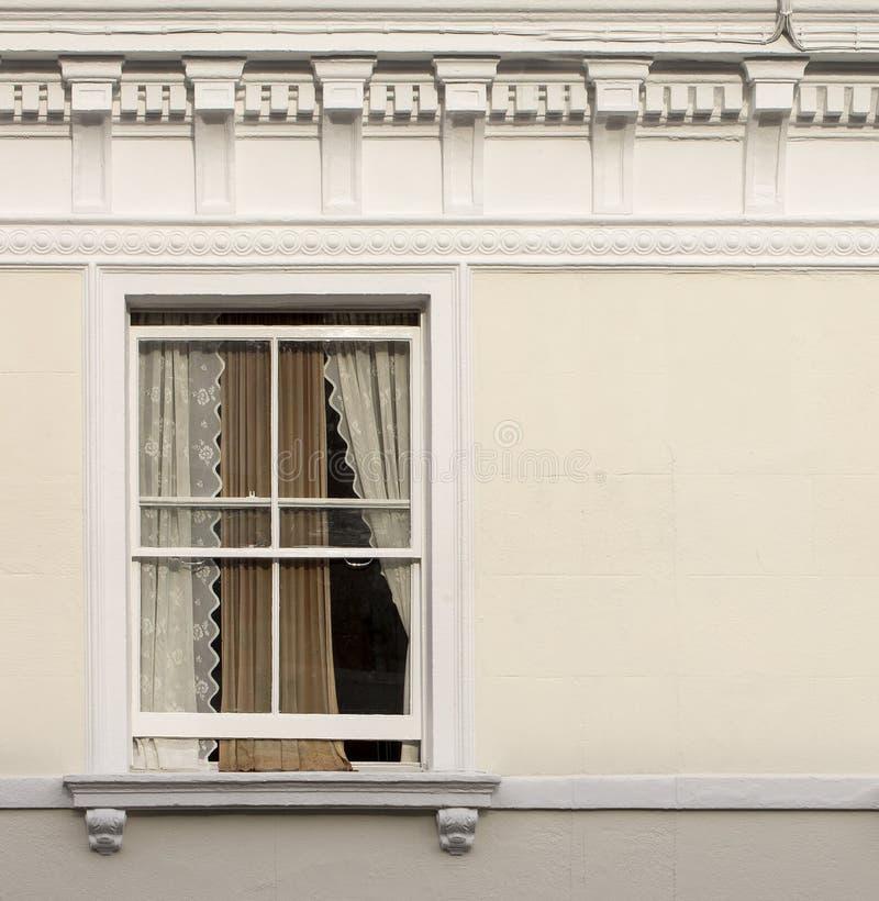 Finestra dell'appartamento fotografia stock