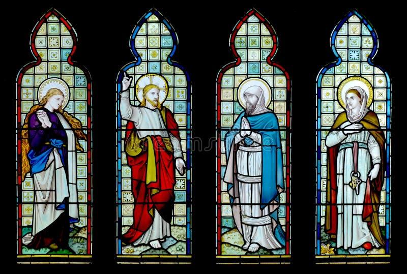 Finestra della chiesa di vetro macchiato fotografie stock libere da diritti