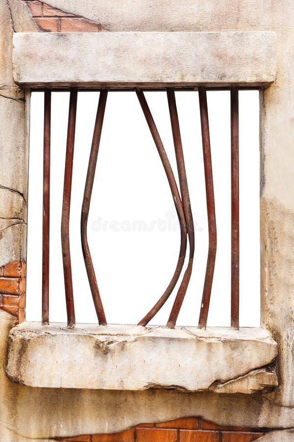 Finestra della prigione sul muro di mattoni fotografia stock libera da diritti
