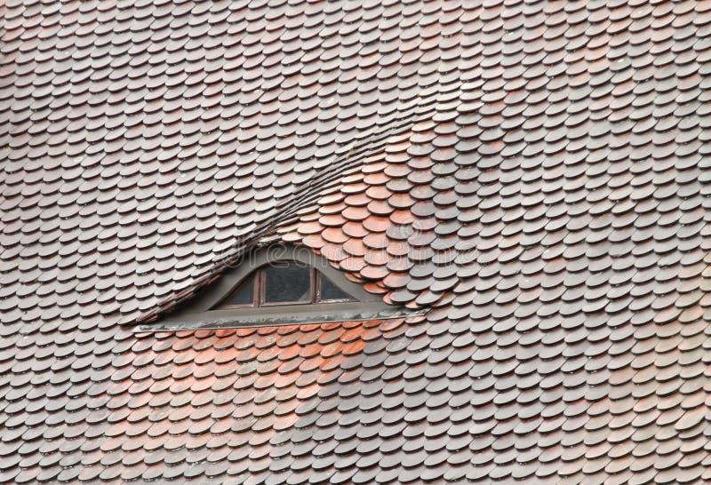 Finestra di arco sul tetto immagine stock immagine di adattare 16496963 - Finestra sul tetto ...