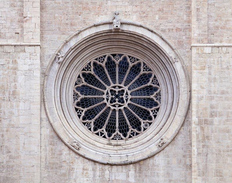 Finestra di Rosa della cattedrale di Trento fotografia stock libera da diritti