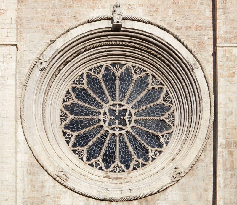 Finestra di Rosa della cattedrale di Trento fotografia stock