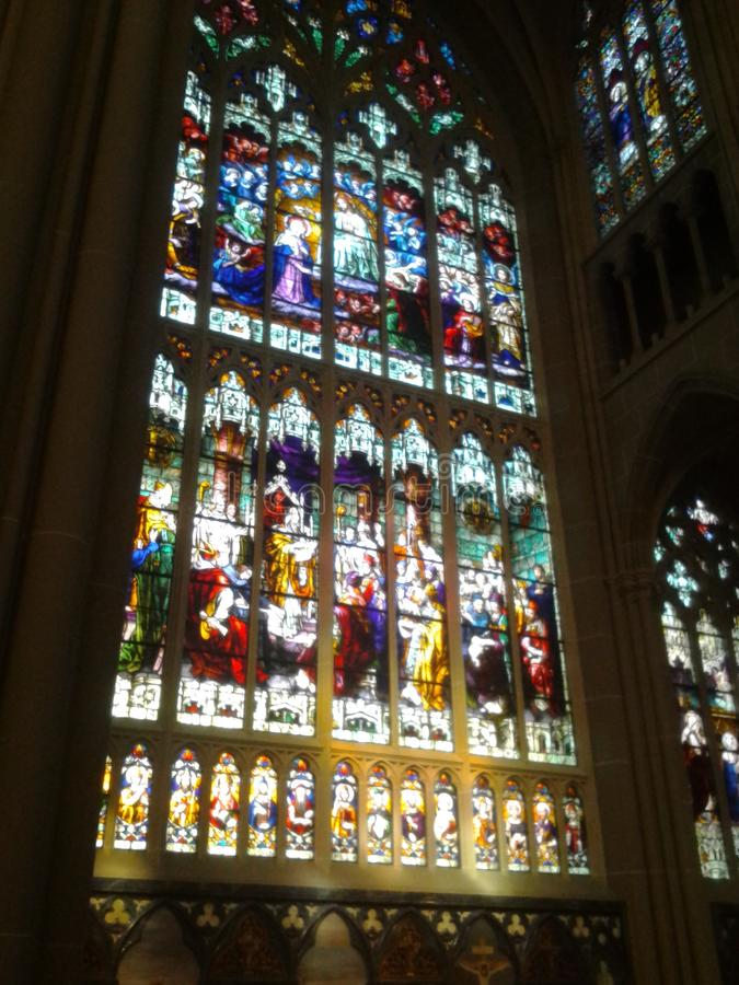 Finestra di Stained-glass 4 Cattedrale cattolica in KY immagini stock