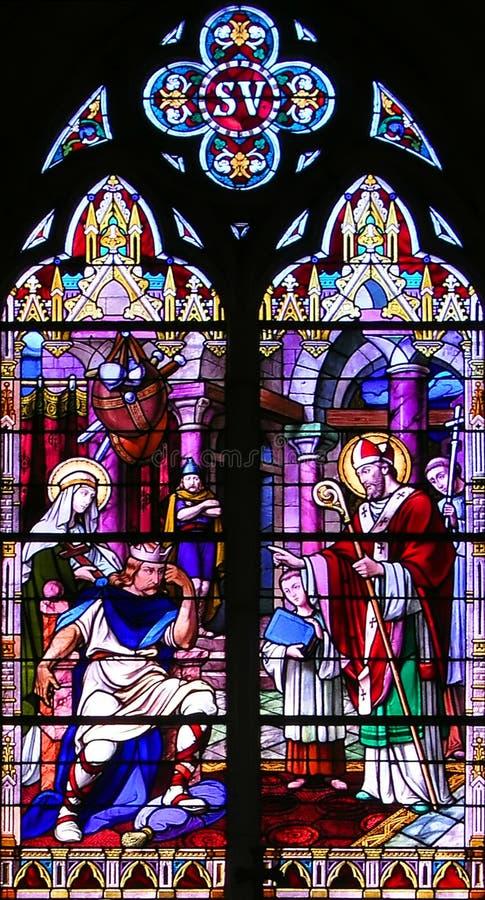 Finestra di Stained-glass religiosa immagini stock libere da diritti