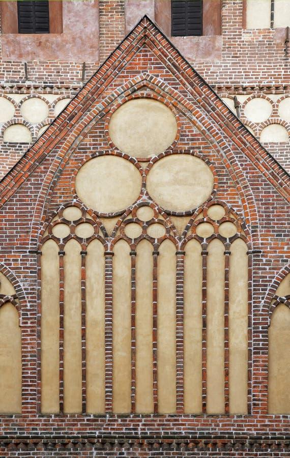 Finestra di una cattedrale gotica immagini stock libere da diritti