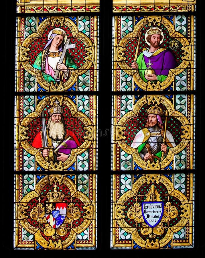 Finestra di vetro macchiato di Carlo Magno fotografia stock