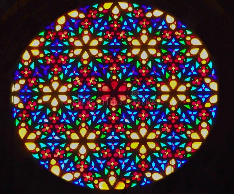 Finestra di vetro macchiato rotonda brillante luminosa fotografie stock