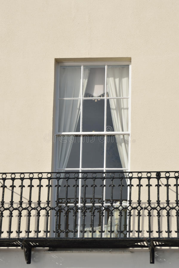 Finestra e balcone fotografia stock immagine di antique 28921776 - Finestra balcone ...