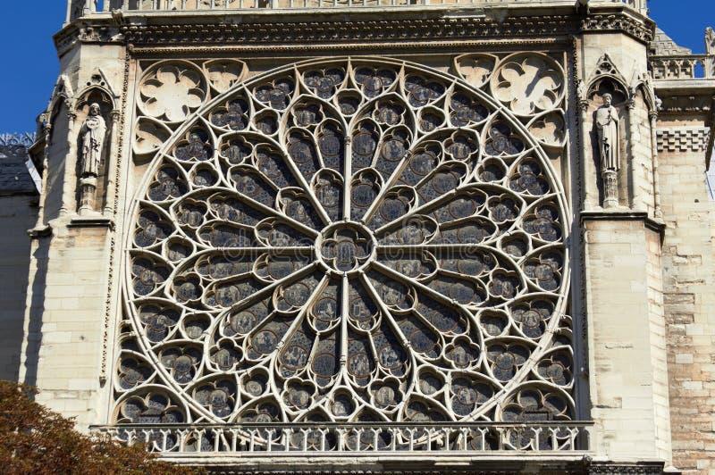 Finestra a Notre Dame, Parigi fotografia stock libera da diritti
