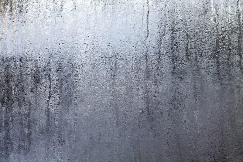 Finestra piena di vapore con le gocce di acqua fotografia stock libera da diritti