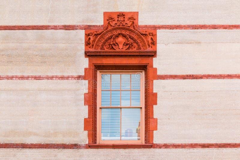 Finestra sulla facciata dell'istituto universitario di Flagler, U.S.A. immagini stock