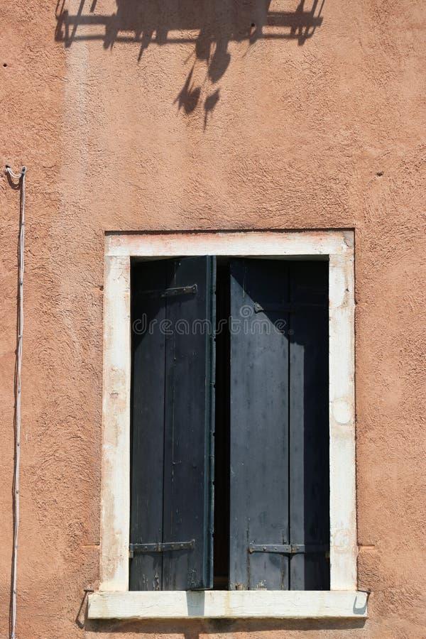 Finestra a Venezia immagini stock