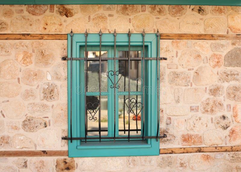 Finestra verde con la griglia immagine stock immagine di illustrazione entrata 13164749 - La finestra verde giugliano ...