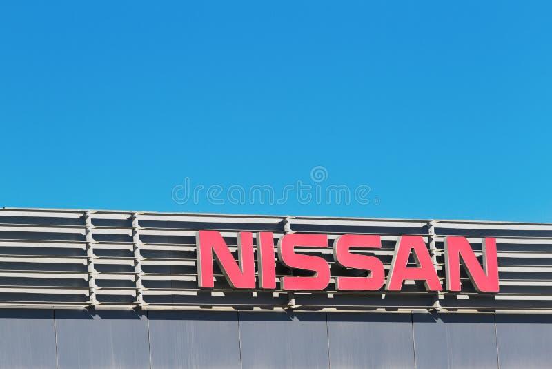 Finestrat Hiszpania, Listopad, - 14, 2017: Nissan firmy imię przed przedstawicielstwo handlowe budynkiem na Listopadzie 14, 2017  obrazy stock