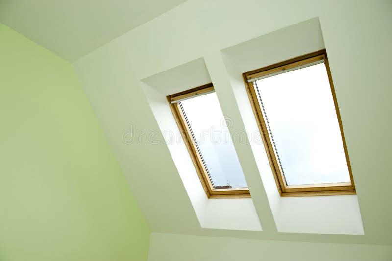 Finestre del tetto immagini stock libere da diritti