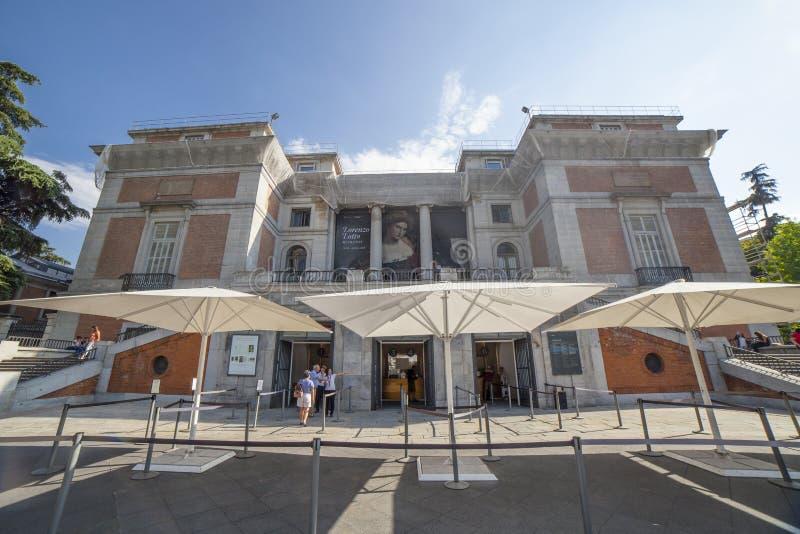 Finestre di biglietto alla facciata del nord del museo nazionale del Prado, Madrid, Spagna immagine stock