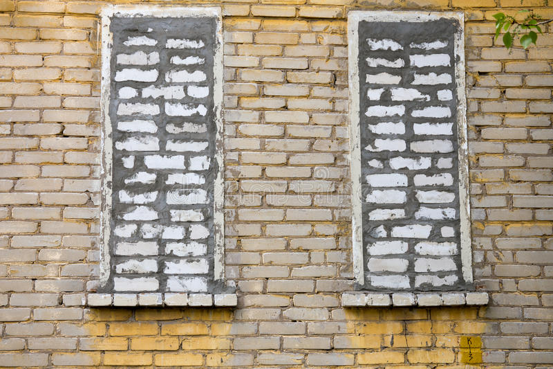 Finestre di Bricked fotografia stock
