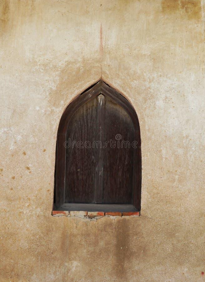Finestre di legno antiche immagine stock immagine di for Finestre di legno