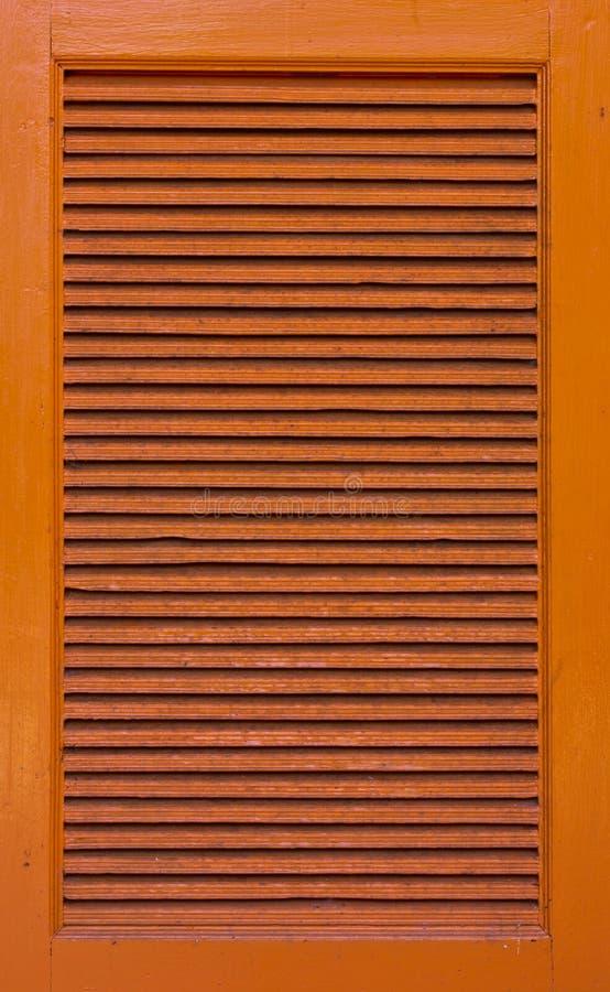 Finestre di legno dell'armadietto immagini stock libere da diritti