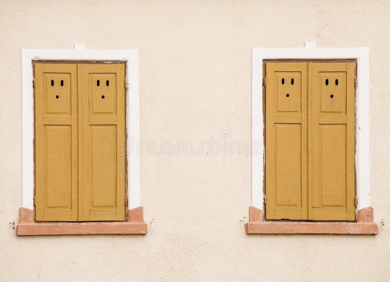Finestre di legno rustiche fotografia stock immagine di for Finestre di legno