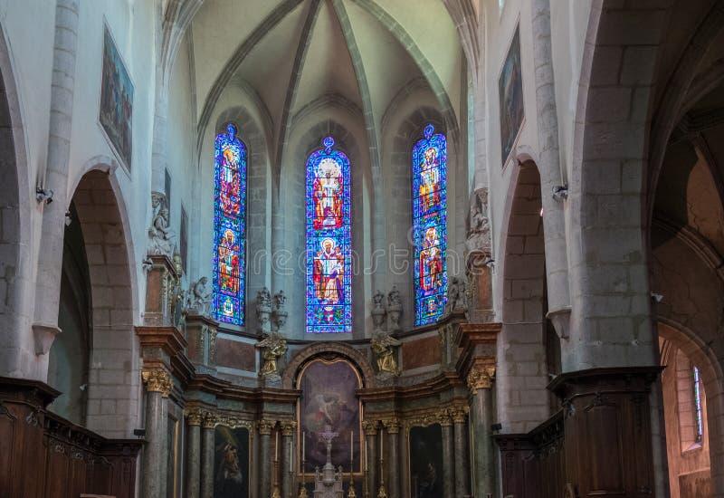Finestre di vetro macchiato di Eglise Notre Dame de Liesse Annecy, Haute-Savoia, Francia immagini stock