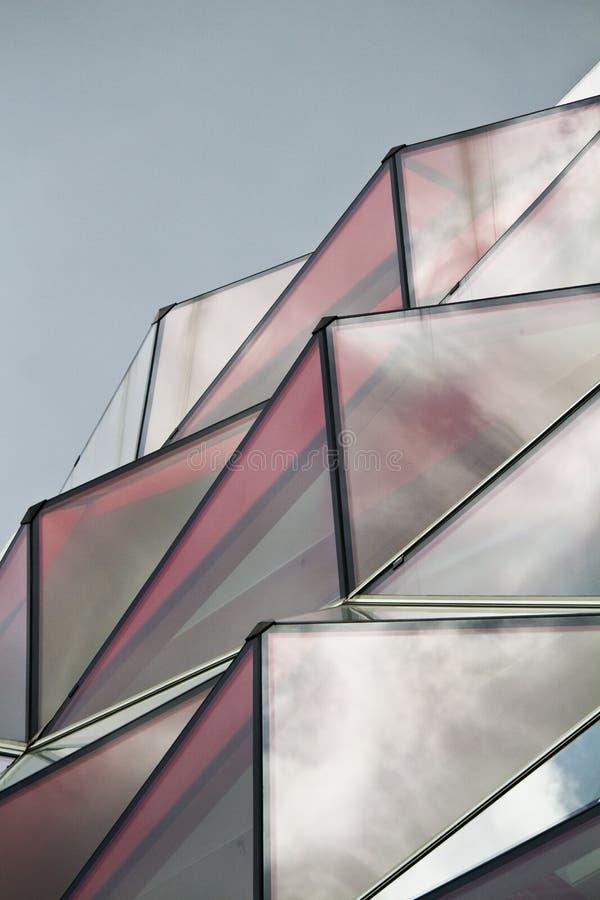 Download Finestre di vetro rosse fotografia stock. Immagine di estratto - 30825986