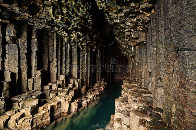 Fingals Höhle - Staffa - Schottland lizenzfreie stockbilder