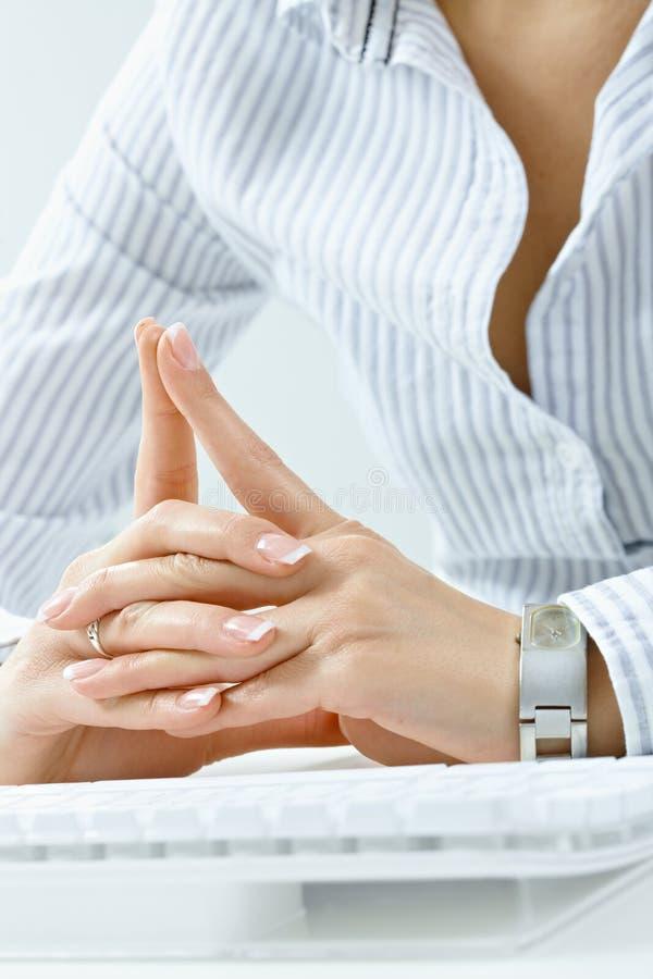 Finger gekreuzt lizenzfreies stockbild