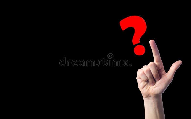 Finger zeigt auf Fragezeichen auf Schwarzes lokalisiertem Hintergrund Konzept der Frage das Problem der Wahl, Meditation, ein dif lizenzfreie stockfotos